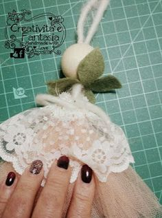 come creare gambe e bracce per le bambole con filo di feltro Sewing Projects, Projects To Try, Bazaar Crafts, Fairy Dolls, Handmade Ornaments, Handmade Design, Crafts For Kids, Dyi Crafts, Doll Toys
