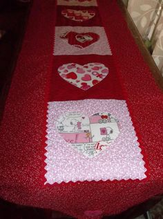 Handmade Appliqued Table Runner Valentine's Day Snoopy Peanuts Hearts x-long #Handmade