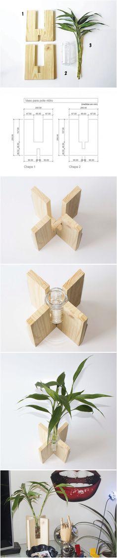 Vaso com ripa de madeira. Uma ótima opção para decorar mesas de casamento.
