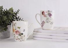 Piękne kubki z subtelnym motywem kwiatów. Delikatne kwiatowe wzory, idealne na każdą porę roku. Kubki Azalia wprowadzą do wnętrza akcent wiosny i przełamią monotonię. #wiosna #porcelana #kubek #wiosennekwiaty Mugs, Tableware, Dinnerware, Tumblers, Tablewares, Mug, Dishes, Place Settings, Cups