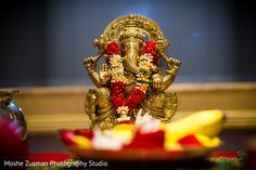 Ganesh at indian wedding ceremony http://www.maharaniweddings.com/gallery/photo/94336 @planetdjevents @kcmakeup2 @preetiexclusive