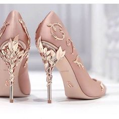 Summer Goddess muss ein moderner, stilvoller Damen Stiefel mit hohem Absatz und hohem Absatz von 10 cm sein. Der obere Fuß sieht gut aus.