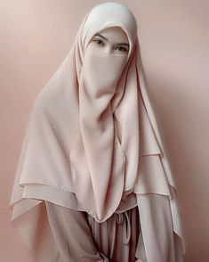Niqab Fashion, Modern Hijab Fashion, Muslim Women Fashion, Islamic Fashion, Hijab Niqab, Hijab Chic, Mode Hijab, Beautiful Muslim Women, Beautiful Hijab
