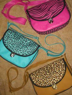 Morrales Nicky Fanny Pack, Bags, Fashion, Footprint, Fabrics, Flowers, Hip Bag, Handbags, Moda