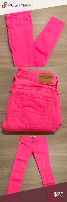 "Abercrombie & Fitch Pink Skinny Jeans Abercrombie & Fitch jeans in good condition.  Width 24""  Length 29"" Abercrombie & Fitch Jeans Skinny"
