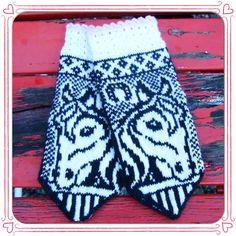 Ravelry: Irma horse mittens by JennyPenny