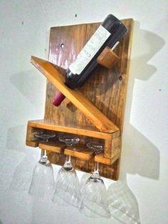 Mini adega de madeira para parede ou em carro de boi