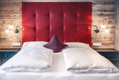 Bed Pillows, Pillow Cases, Furniture, Home Decor, Pillows, Homemade Home Decor, Home Furnishings, Decoration Home, Arredamento