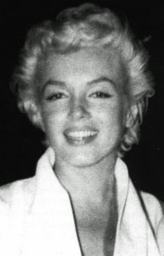 Marilyn in NYC, 1955. Photo by James Haspiel.