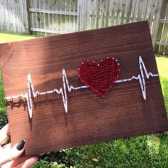 String Art Heartbeat by StringsbySamantha on Etsy Battement de coeur String Art par StringsbySamantha sur Etsy String Art Heartbeat by StringsbySamantha on Etsy Related Post Do you have a hobby you enjoy doing like shopping,. String Art Diy, String Crafts, String Art Heart, Arte Linear, Diy And Crafts, Arts And Crafts, Creative Crafts, Yarn Crafts, String Art Patterns