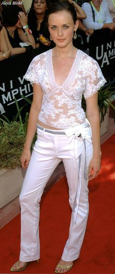 Share, rate and discuss pictures of Alexis Bledel's feet on wikiFeet - the most comprehensive celebrity feet database to ever have existed. Alexis Bledel, Celebrity Feet, White Jeans, Fashion Beauty, Celebs, Sexy, Dresses, Style, Celebrities