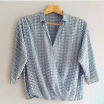 Zara blouse silk pyjama style size small. In perfect condition 💗