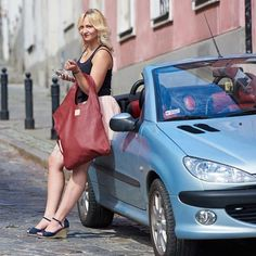 @ladybagpl  czerwona elegancja duża, nietuzinkowa idealna dla nowoczesnej kobietypolecam i zapraszam na profil Lady Bag #torebka#cabrio#blondynka#fashion#moda#instafashion #instamoment #instamood #photooftheday #skorzanatorebka#instadaily #blogerka#polishgirl##warsawgirl#nice#elegant#elegancja #kobieta#blondynka#kabriolet#peugeot206cc #206cc#nice#sweet#happy#sesja#fotograf