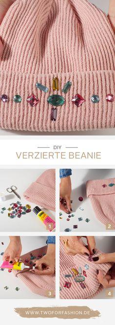 DIY Geschenke, die von Herzen kommen! Wie wäre es mit einem Upcycling eines Beanies mit süßen Strasssteinen?