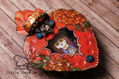Dia De Los Muertos Nicho on Etsy https://www.etsy.com/listing/216807691/handmade-dia-de-los-muertos-nicho-sugar