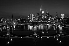 Black and White Photography (Schwarz-Weiß-Fotografie) - #Frankfurt am Main #Skyline - © Tim Münnig