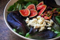 Fig salad  with  feta cheese and pistachios