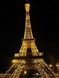 5 Bangunan Dunia yang Terinspirasi dari Menara Eiffel