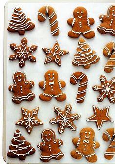 Yurt dışından gelip bizlere yerleşen bir gelenek: Zencefilli yılbaşı kurabiyesi! Bu kurabiyeler hem görüntü olarak hem de lezzet olarak gülümsetmeye yetiyor. O zaman bize de bu tarifi paylaşmak düşer!Zencefilli yılbaşı kurabiyesi tarifi için gerekli malzemeler: 120 gram tereyağı 100 gram toz şeker 120 ml pekmez 300 gram un ½ tatlı kaşığı kabartma tozu ½ tatlı …
