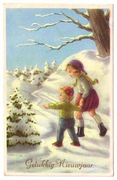 Gelukkig nieuwjaar:  Children walking down a snowy lane looking at tree