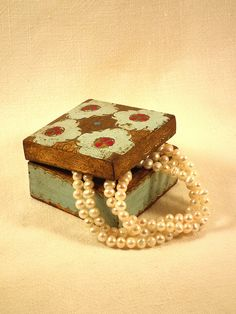 #White pearl necklace in an old box    repin ..  like ...share :)    $95.00  On Sale!  http://amzn.to/X6CLTf