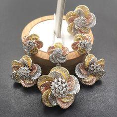 Copper Jewelry, Cute Jewelry, Jewelry Sets, Jewelry Accessories, Women Jewelry, Cubic Zirconia Earrings, Gold Jewellery Design, Pendant Design, Flower Necklace