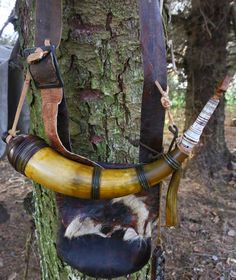 Contemporary Makers: Banded Powder Horn and Hunting Pouch by Tom Eischeid of Germany