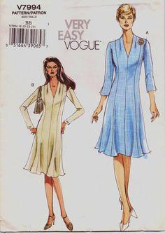 Very Easy Vogue Pattern V7994 Womens ALine Dress by CloesCloset, $8.00