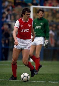 David O'leary Oxford United v Arsenal - Canon League Division One Retro Football, Vintage Football, Football Shirts, Arsenal Players, Arsenal Fc, Arsenal Football, Oxford United, Great Team, Division