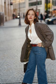 Petite Chineuse - Collection Fréquence 70, vêtements vintage années 70 Vintage Clothing Styles, Vintage Style Outfits, Style Année 70, French Girl Style, 90s Inspired Outfits, 70s Inspired Fashion, Fashion 2020, 90s Fashion, Fashion Outfits