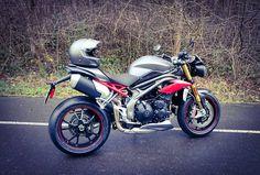 Beast !!! New Triumph Speed Triple #Triumph #triumphmotorcycles #triumphspeedtriple #speedtriple #speedtriple2016