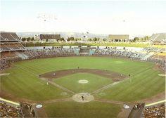 thanks ghost of fire this is a great great pic. Baseball Park, Sports Baseball, Baseball Field, Baseball Stuff, Sports Teams, Oakland Coliseum, Sports Stadium, San Jose Sharks, Great Pic