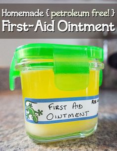 DIY Homemade First-Aid Ointment DIY First Aid Ointment: cup Organic Coconut Oil 1 tablespoon Organic Beeswax Pastilles teaspoon Vitamin E Oil 10 drops Lavender Essential Oil 10 drops Tea Tree Oil Herbal Remedies, Health Remedies, Home Remedies, Natural Remedies, Magazines For Kids, Living Oils, Natural Medicine, Herbal Medicine, Homeopathic Medicine