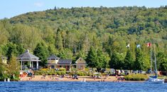 Accessible free of charge, this park is located on the shores of Lac Archambault in the heart of the village. Swimming with supervision, children's play structures, Quebec, Canada, Life Is Good, Dolores Park, Things To Do, Saints, Swimming, Road Trips, Beaches