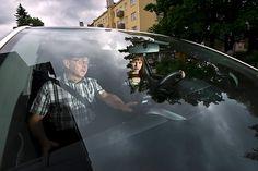Kuvassa meneillään opetustilanne autokoulu Koljanderin johdolla.
