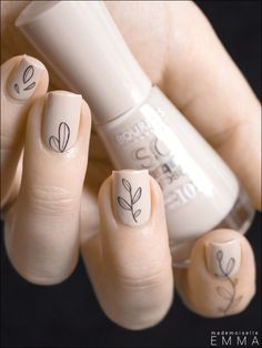 Bourjois - Indispen-Sable & Calligraphic Nail Tattoos