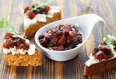 This Chunky Pumpkin Chutney Recipe is the perfect condiment for fall. Slather it on a piece of warm pumpkin bread fresh from the oven YUM! Cranberry Chutney, Chutneys, Fruit Chutney Recipe, Fall Recipes, Indian Food Recipes, Salsa Picante, Tasty, Yummy Food, Chicken And Dumplings
