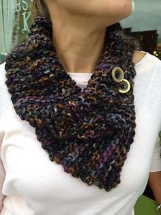 This is a one-skein wonder. Simple. Quick. Yet cute. Free pattern ... Bulky yarn .. 108 yards