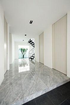 Vintage Interior Design, Vintage Designs, Beautiful Homes, Tile Floor, Minimalism, House Design, Room, Home Decor, Entrance Halls