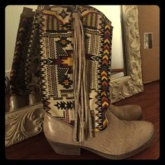 Cowgirl boots as seen on Beyoncé New without tags. Super comfy and cute Shoes