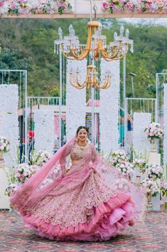 How Bride Gurpreet Found Her Dream Rimple & Harpreet Lehenga - Indian Bridal Outfits, Indian Bridal Fashion, Indian Bridal Wear, Bridal Dresses, Wedding Dresses For Kids, Indian Wear, Wedding Lehnga, Indian Wedding Bride, Bride Photography
