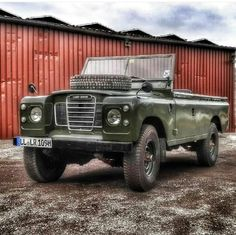 Discos&Defenders — mushing1: | Greenland dog, land rover and a...
