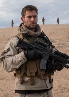 Chris Hemsworth in 12 Strong.