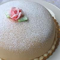 Hoffman's Bakery in Kirkland, WA - princess torte w/ marzipan, vanilla cake and raspberry filling