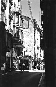 Fotografías antiguas de Zaragoza-El desván de Rafael Castillejo-Zaragoza antigua-Zaragoza desaparecida Old Photography, Zaragoza, Antique Photos, Cities, Viajes, Architecture