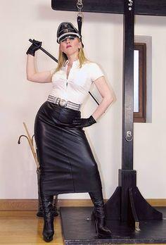 A-Temp-Mistress-Sidonia-Von-Bork-1.jpg (427×630)