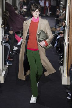 Valentino Fall 2018 Menswear Fashion Show Collection