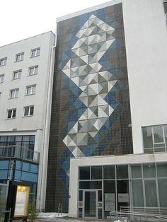 1980 Magdeburg Keramikgestaltung von Bruno Groth Giebelfassade Leiterstraße 12 in 39104 Mitte