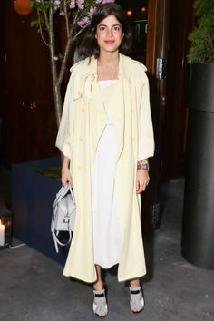 Leandra Medine at TODS Dinner for Creative Director Alessandra Facchinetti. Stylish Coat, Girl Fashion, Fashion Outfits, Leandra Medine, Spring Street Style, Her Style, Celebrity Style, Cool Outfits, Style Inspiration