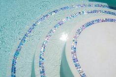 Copper Penny Glass Tile One of the hottest trends in pools and home décor these past few years has been glass tile. Glass tile is a beautiful product Swimming Pool Tiles, Swimming Pool Designs, Luxury Swimming Pools, Dream Pools, Glass Pool Tile, Jacuzzi, Florida Pool, Backyard Pool Designs, Pool Backyard